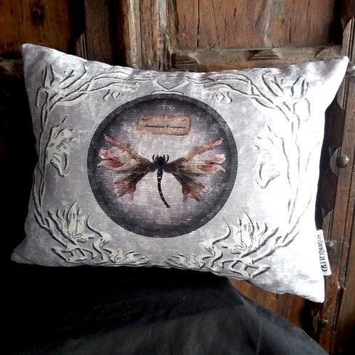 Mutation Botanica Cushion - Amaryllis 1 (Bayeux Velvet)