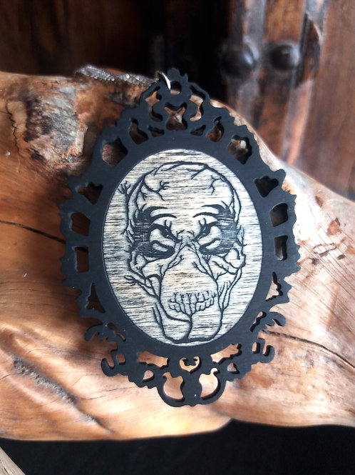 Lasercut Wooden necklace - Demon Skull
