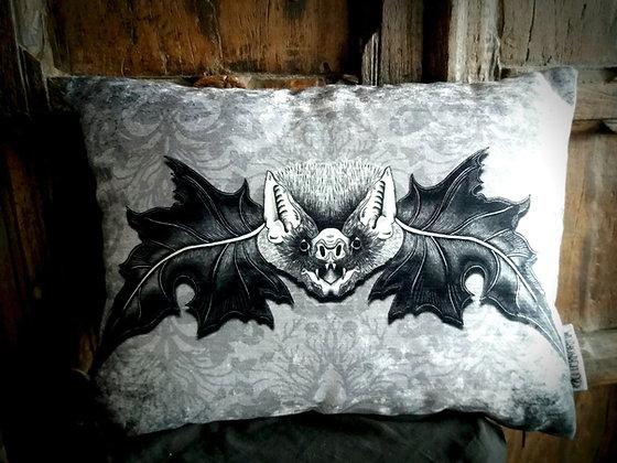 Mr. Bat - Bayeux Velvet - PA