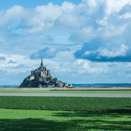 Ombres et lumières sur le Mont Saint          Michel
