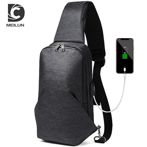 2018 New Style Men Fashion Cool Wind Chest Bag Crossbody Bag USB Charging Men's