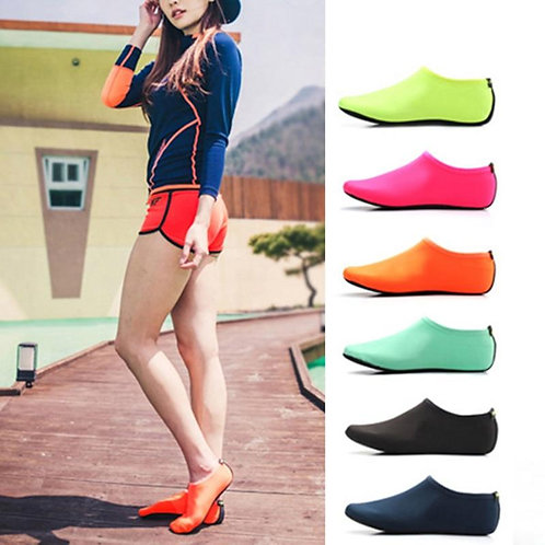2020 Unisex Outdoor Beach Sandals Soft Plush Slides Flats Non-Slip Shoes Adults