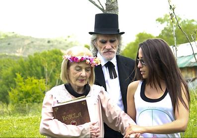 Beatriz Abad dirige una historia sobre el Alzheimer, llena de magia y sentimientos que sitúan al proyecto dentro de los Tres finalistas del Premio Maestre Mateo del 2014.