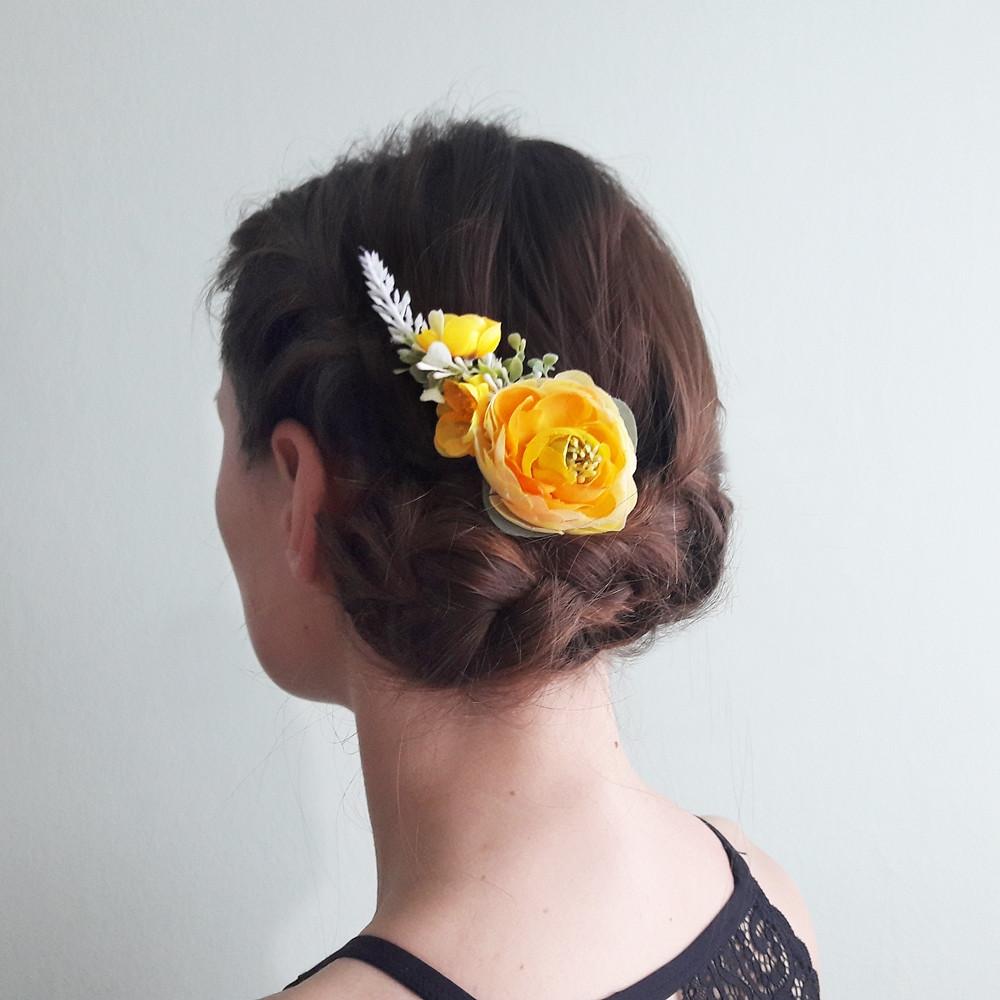 květinová spona do vlasů