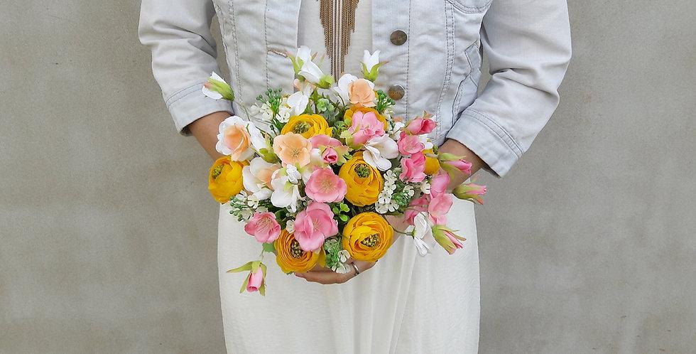 Svatební kytice kulatá luční