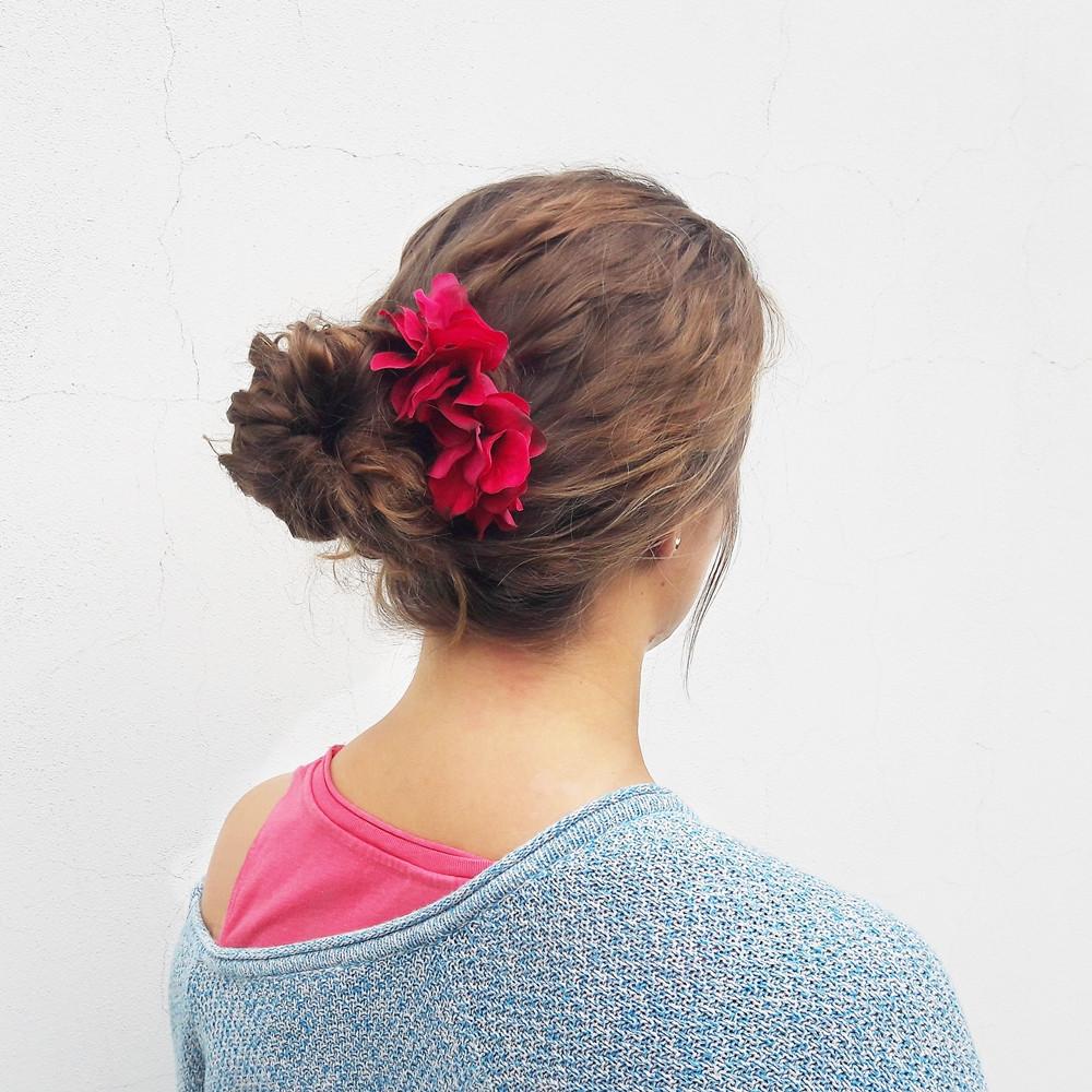 hřebínek do vlasů s květinovou ozdobou kolekce Podzim 2017