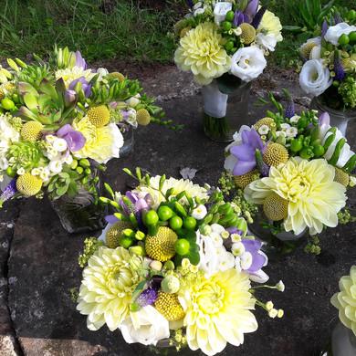 Svatební kytice z netřesků