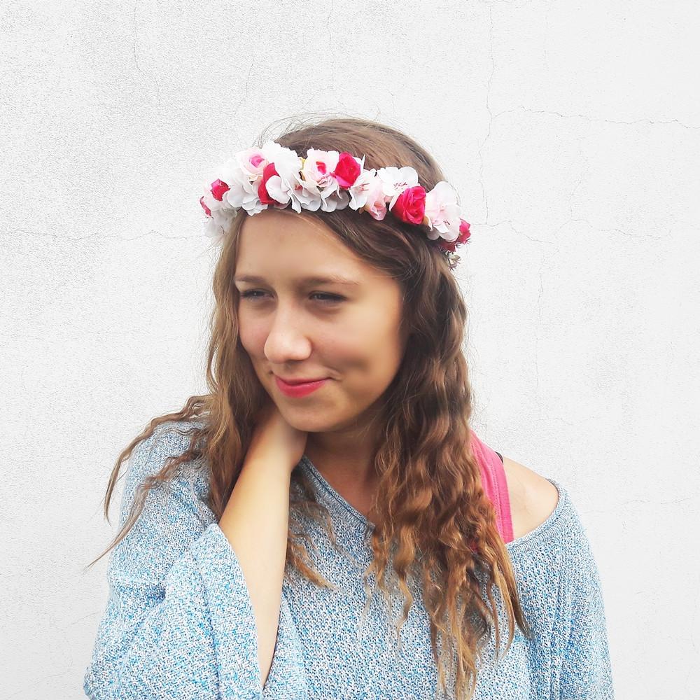 Květinový věneček do vlasů na ples
