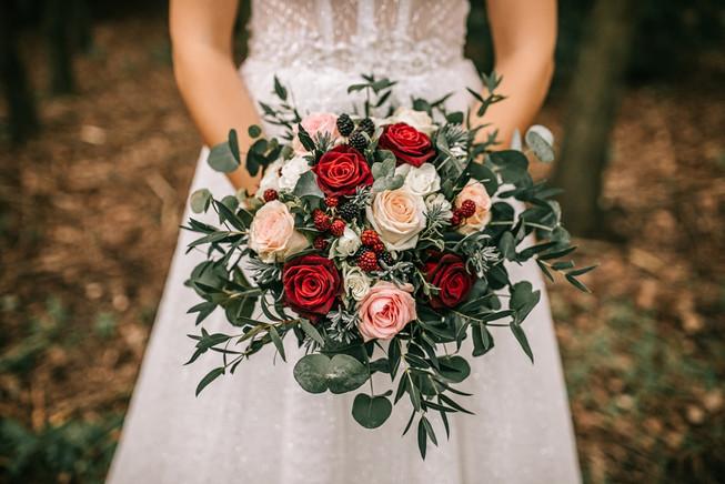 Svatební kytice z růží.jpg