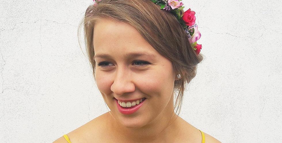 Květinový věneček do vlasů z růžiček