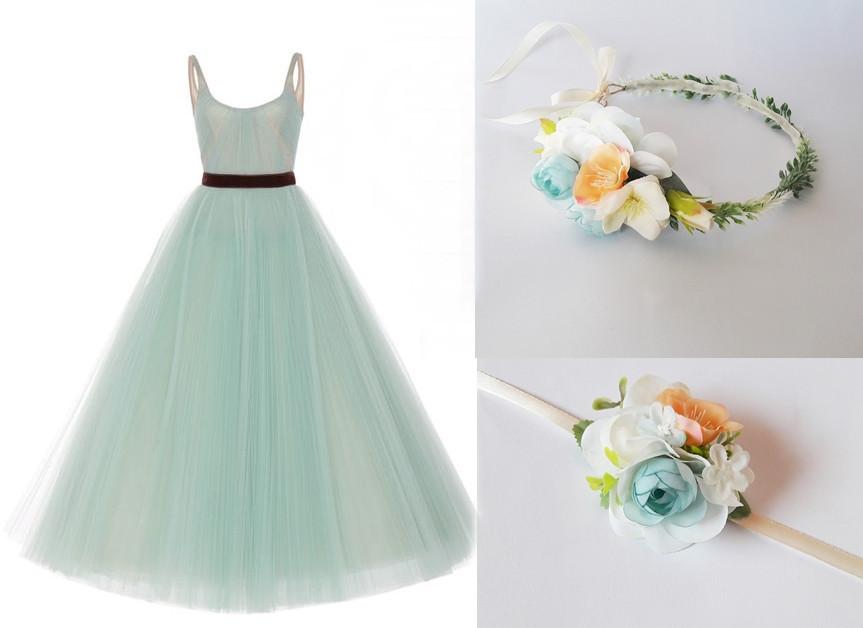 Maturitní šaty s květinovými doplňky