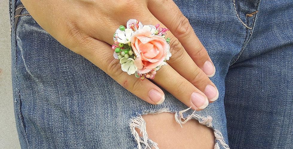 Prsten s květinovou ozdobou letní