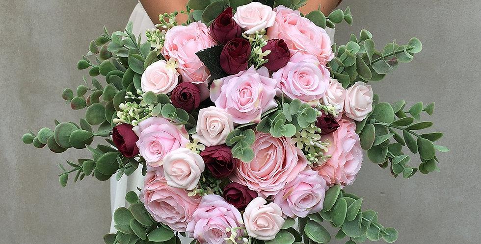 Svatební kytice s korsáží