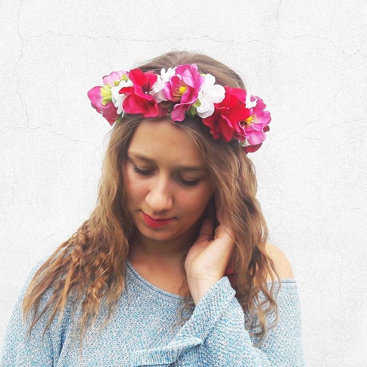 květinový věneček do vlasů