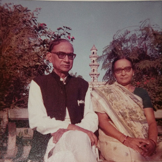Hariprasad with wife Ansuyaben