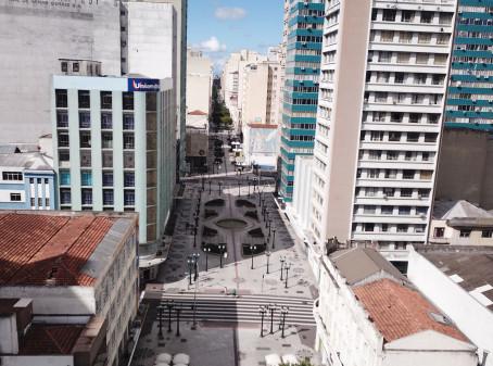 Curitiba retorna estado de bandeira amarela