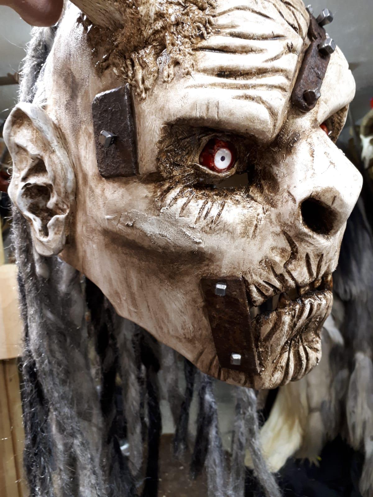 Maske9