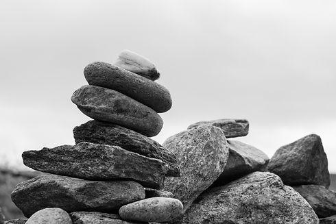 rock-black-and-white-tower-balance-pebbl