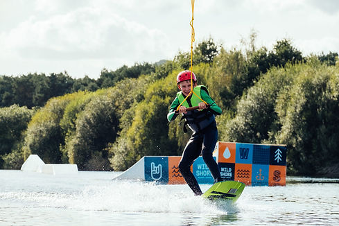 wakeboard-lessons-wild-shore-delamere.jp