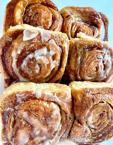 Cinnamon Buns (6)