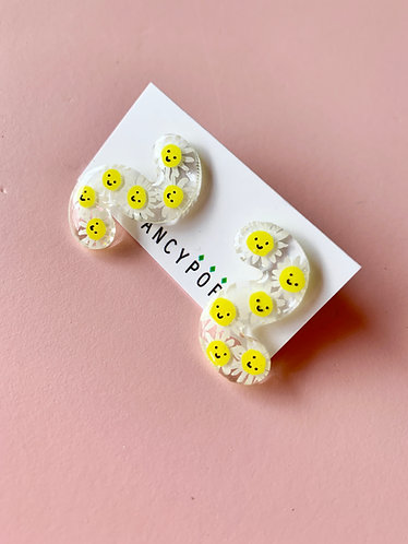 Smiling Daisy Squiggle Earrings