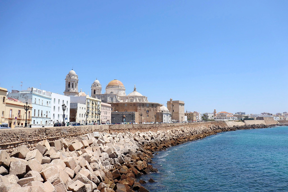 El Malecón waterfront in Cadiz, Spain