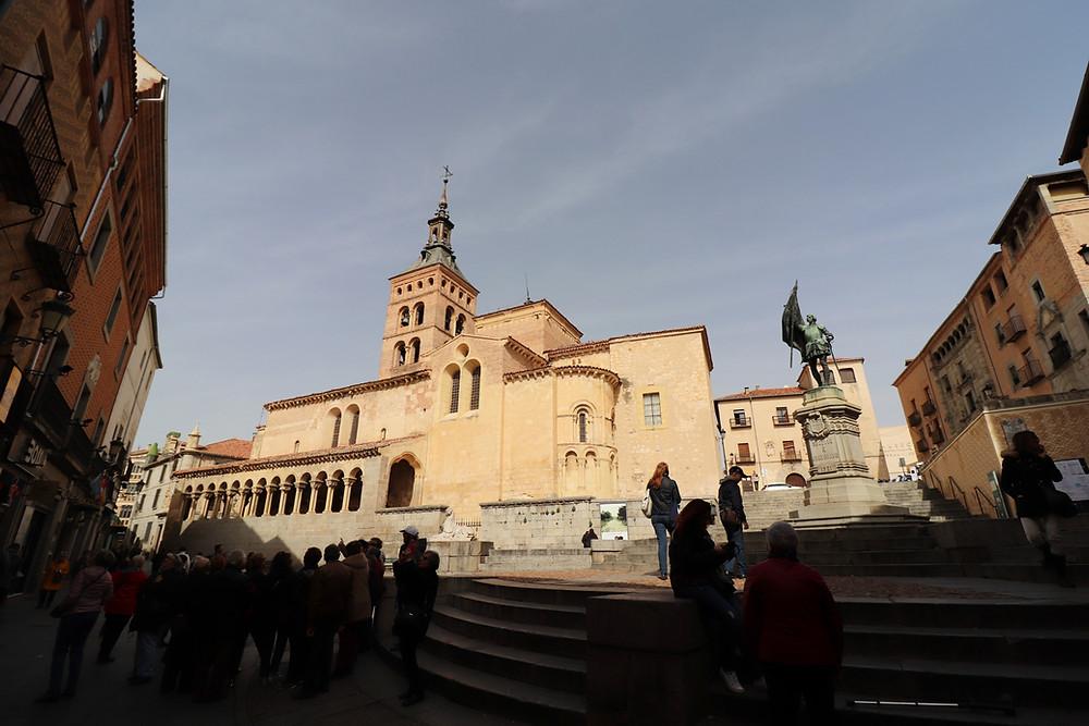Plaza de Medina del Campo and Iglesia de San Martín