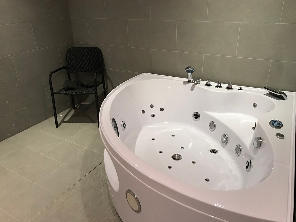 Ground floor indoor Jacuzzi, villa Tuusula Finland