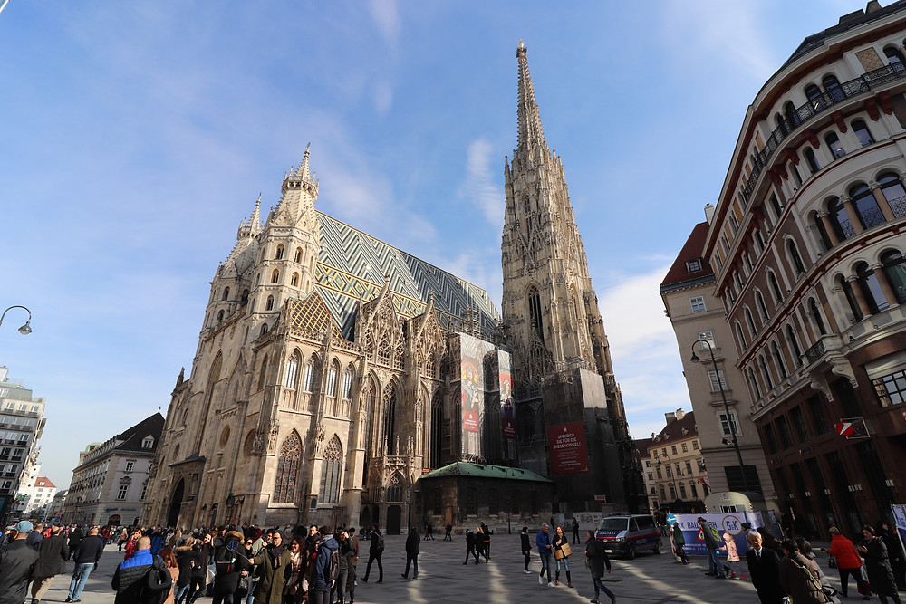 Stephansplatz with cathedral, shops and restaurants