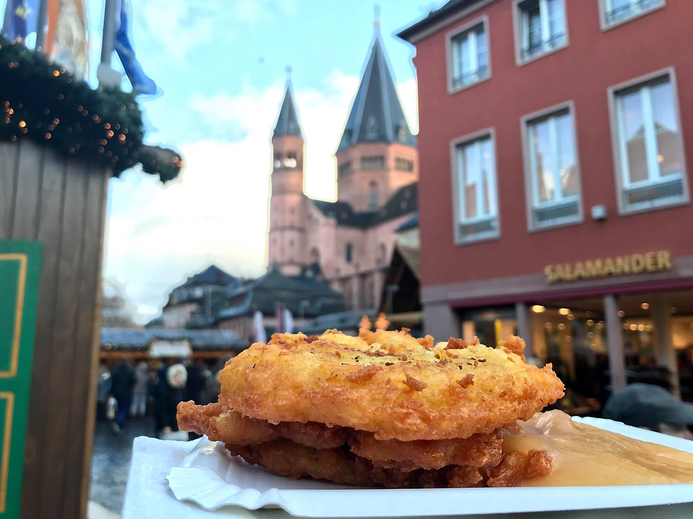 Kartoffelpuffer at the Mainz Christmas market in Germany