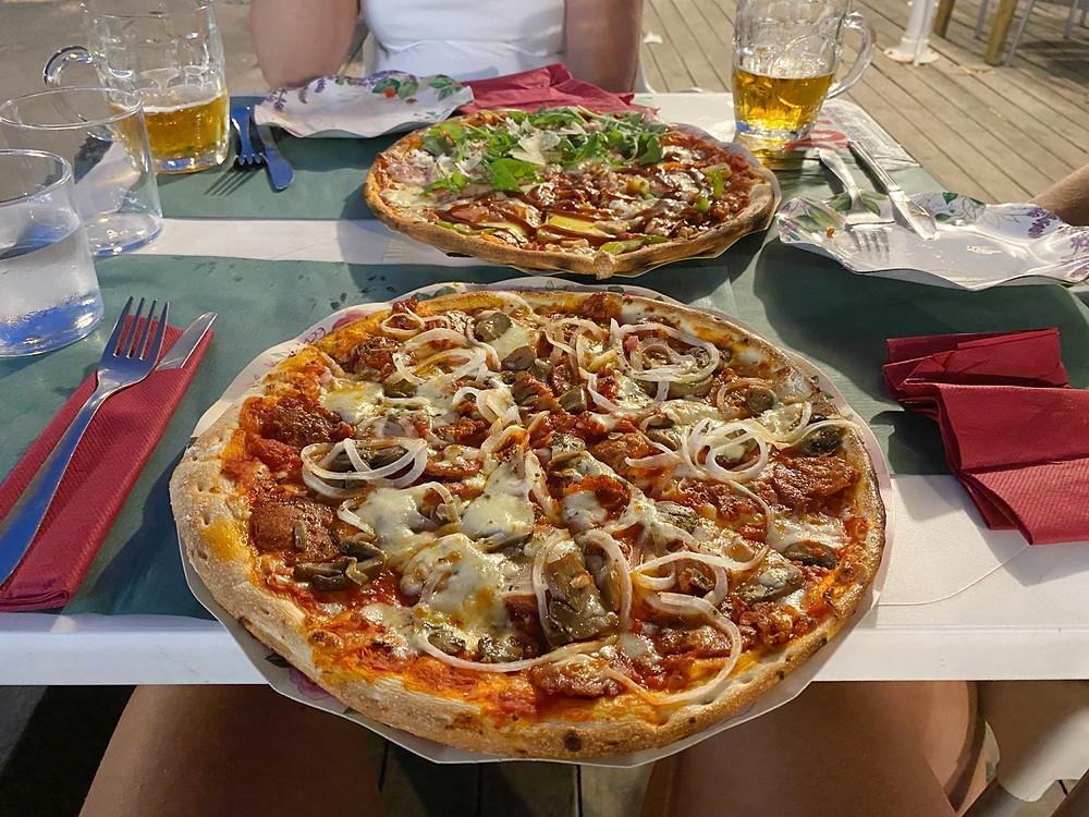 Pizzería Blanca Paloma two pizzas in Puerto Sherry, Cadiz, Spain