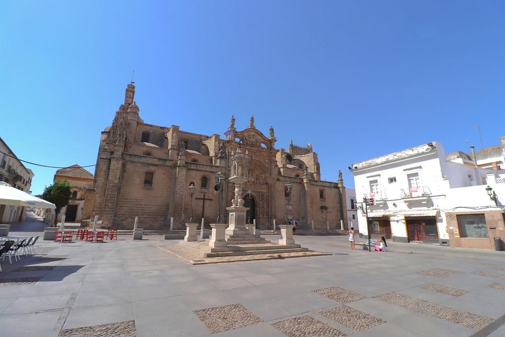 Plaza de España & Iglesia Mayor Prioral in El Puerto de Santa Maria, Cadiz, Spain