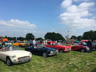 ENTHUSIASTS SET FOR MOTORS, MUSIC AND MORE AT RAGLEY HALL BANK HOLIDAY BONANZA