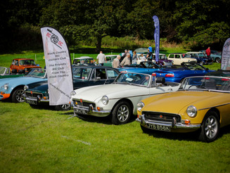 Record Crowds at Himley Hall's Classic & Retro Show