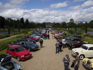 Rain doesn't dampen spirits at Trentham Gardens' Father's Classic Day Out