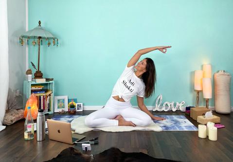 Online Yoga! Welches Equipment benötige ich und wie fange ich an?