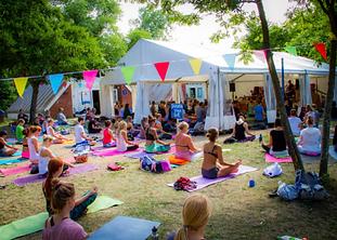 Kieler Yogafestival Nadine Gerhardt.png