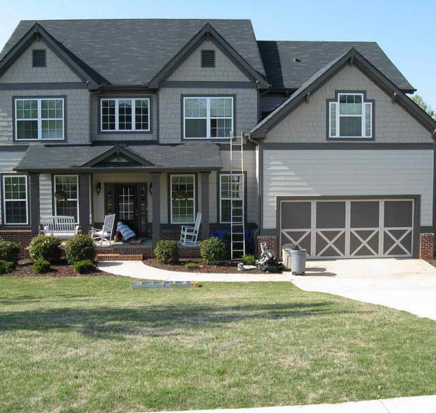 Exterior-House-Paint-Tips-With-Green-Grass.jpg