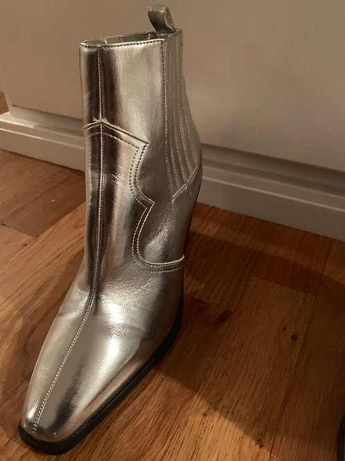 Silver Boots- Size 10