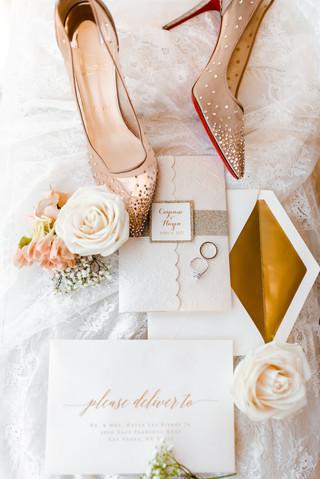 outdoor-wedding-las-vegas-blush-palette_4.jpg