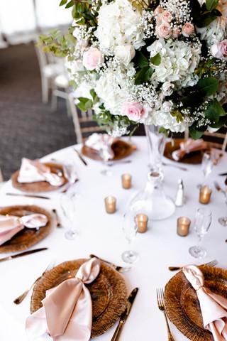 outdoor-wedding-las-vegas-blush-palette_1.jpg