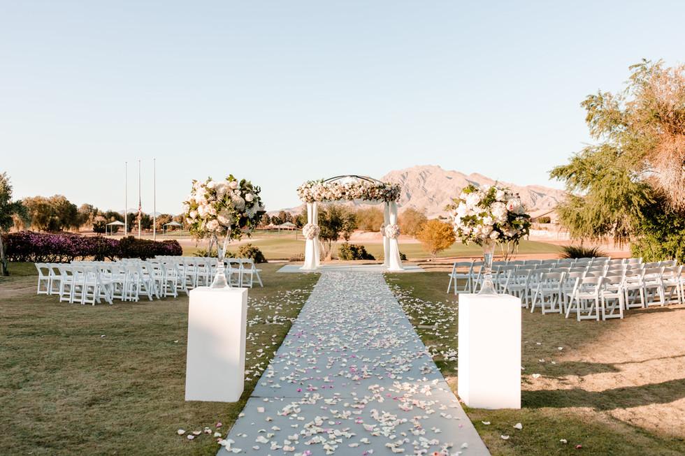 outdoor-wedding-las-vegas-blush-palette_5.jpg