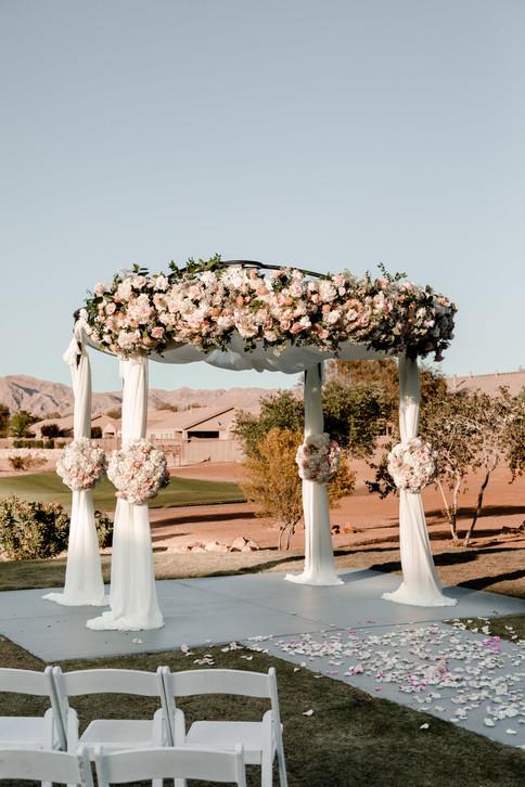 outdoor-wedding-las-vegas-blush-palette_6.jpg