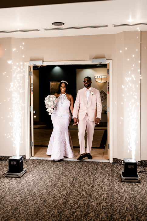 outdoor-wedding-las-vegas-blush-palette_13.jpg