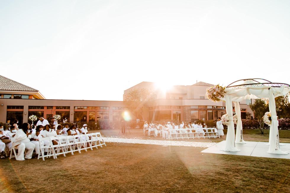 outdoor-wedding-las-vegas-blush-palette_7.jpg