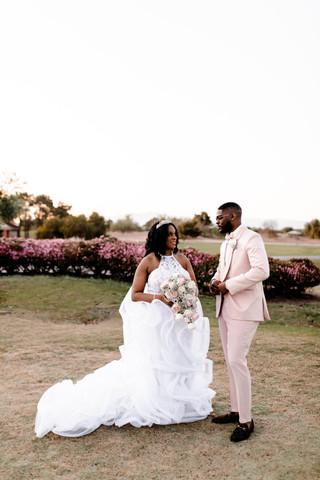 outdoor-wedding-las-vegas-blush-palette_11.jpg