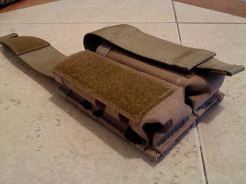 Porta cargador de pistola simple