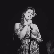 debbie_briggs_singing.jpg
