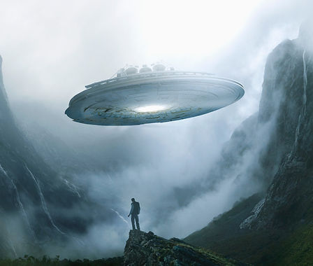 Spaceship%20Landing%20on%20Earth_edited.jpg