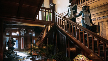Mansion Grand Staircase; dressed location; photo E.Zachanowich